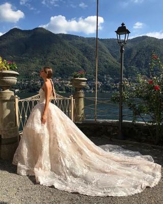Guida di Jessica per uscire sul vestito da sposa lato oscuro